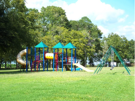 Bishops Landing Amenities - Playground